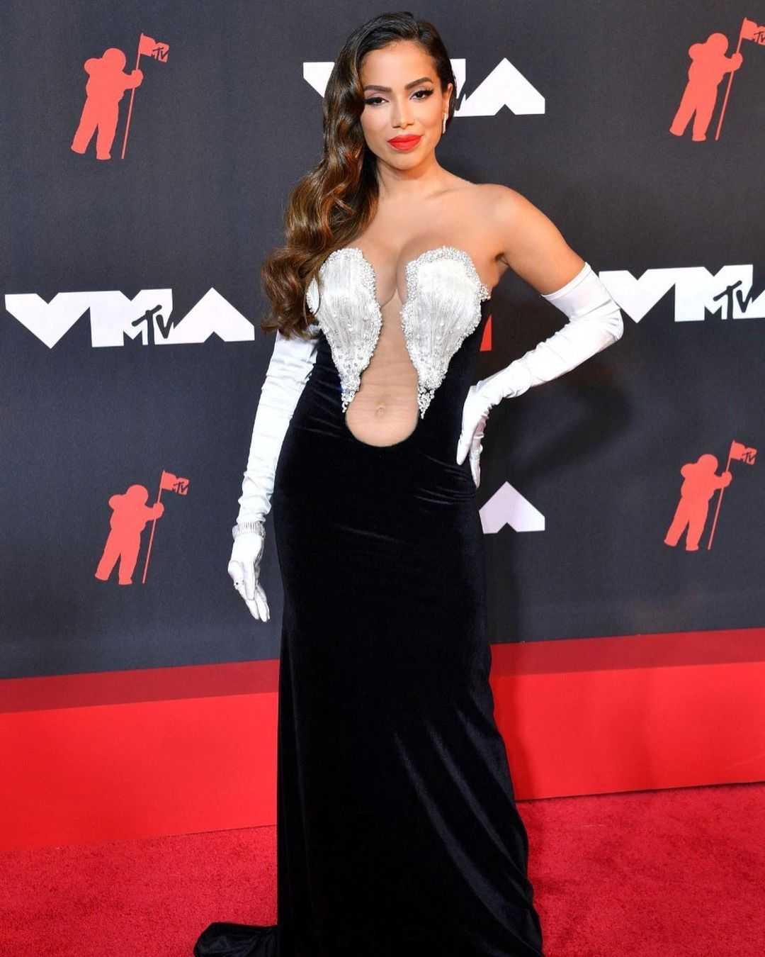 (Anitta no evento do Video Music Awards nos Estados Unidos, Reprodução/Instagram)