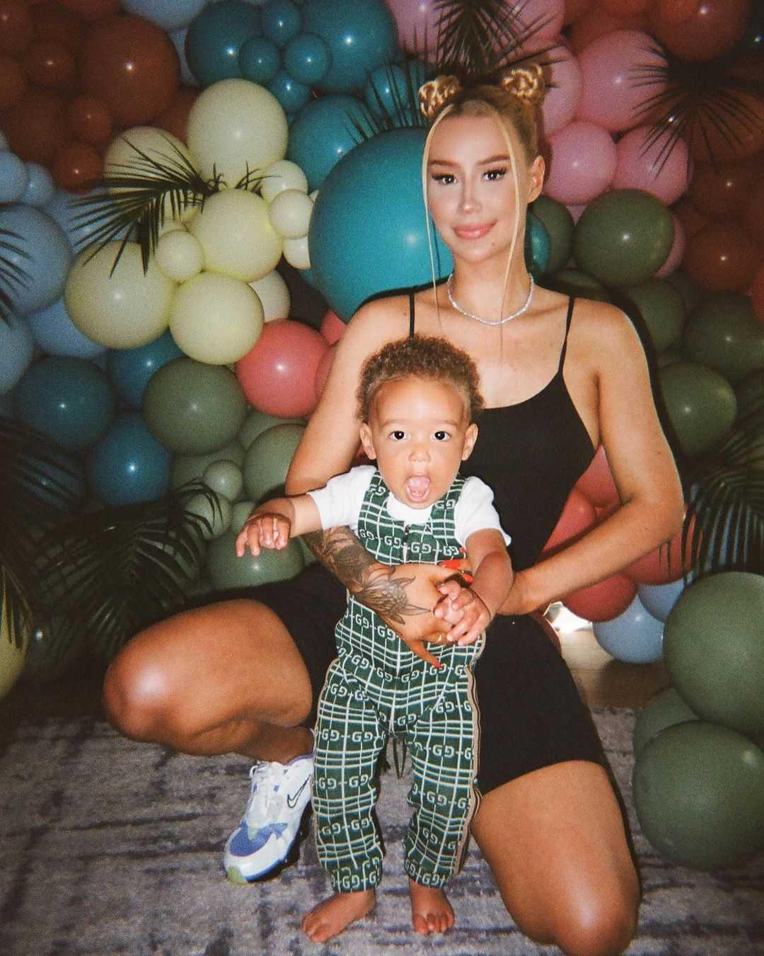 (Iggy Azalea e seu filho Onyx Kelly, Reprodução/Instagram)