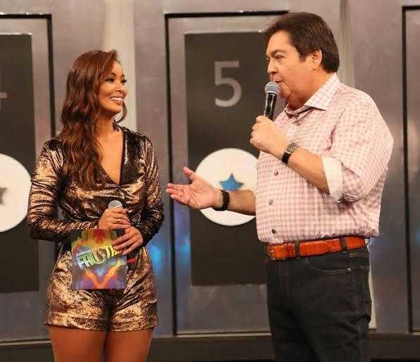 """Carol Nakamura relembra início da carreira: """"Foi muito difícil"""" (Foto: Globo)"""