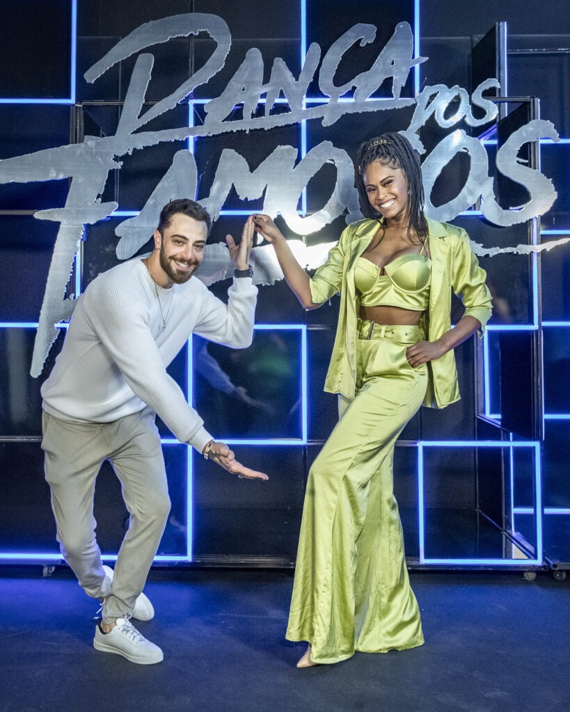 Felipe Titto e sua parceira de dança Brenda Martins