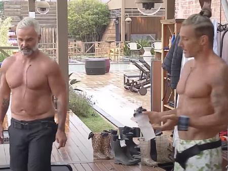 (Juliano e Matheus em A Fazenda. Foto; Reprodução TV Record)