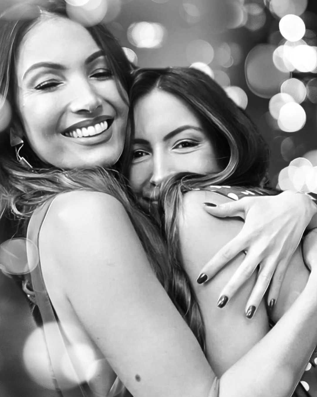 (Patrícia Poeta e sua irmã Paloma em post de agradecimento, Reprodução/Instagram)