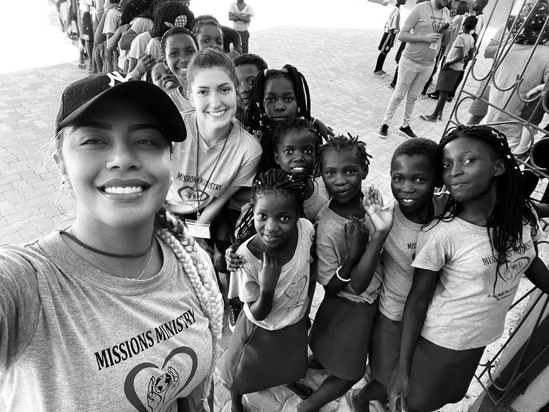 Rafaella Santos em missão humanitária em Moçambique - (Foto: Reprodução/Instagram)