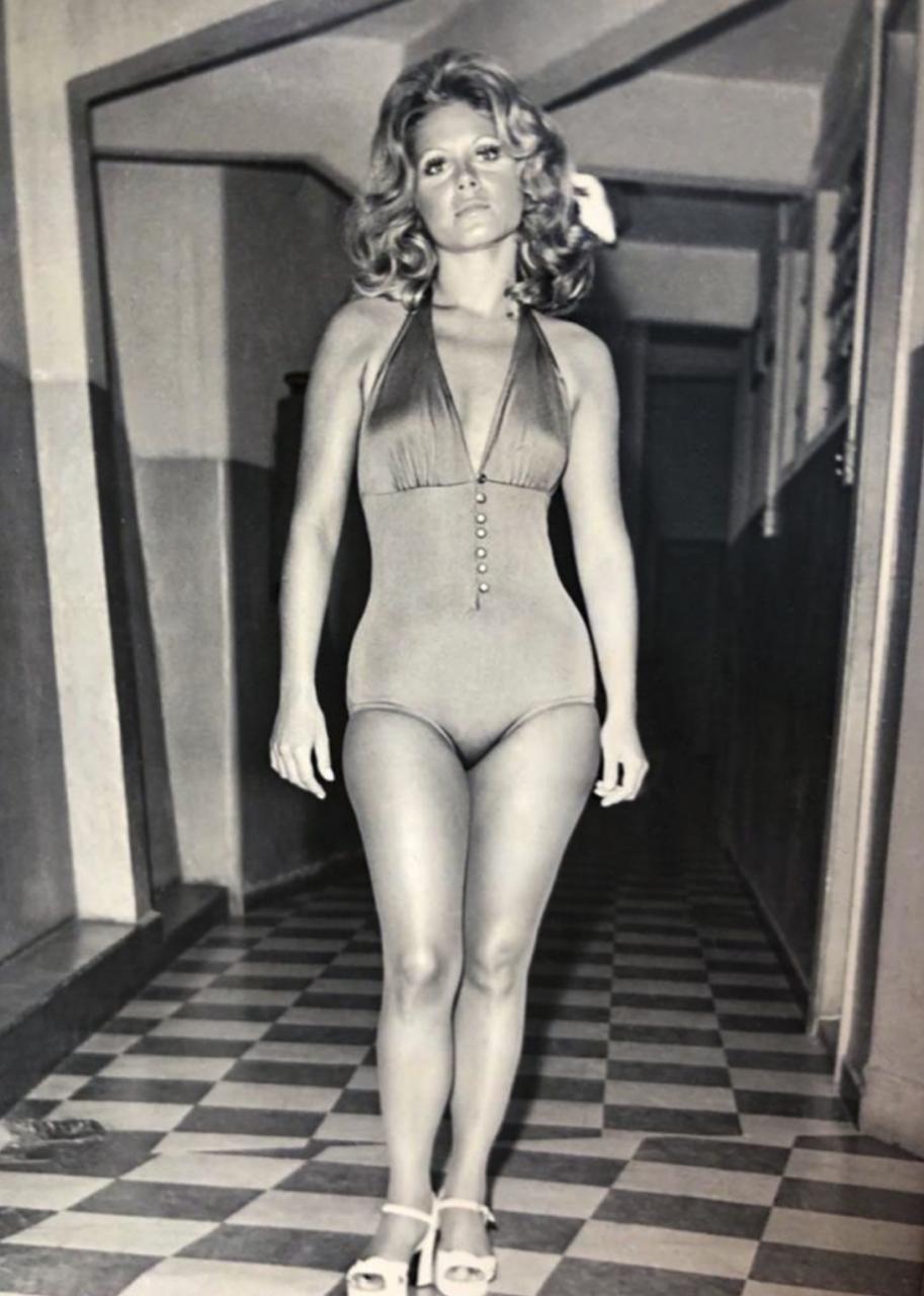 Vera Fischer celebra a vitória da campeã do Miss Universo: