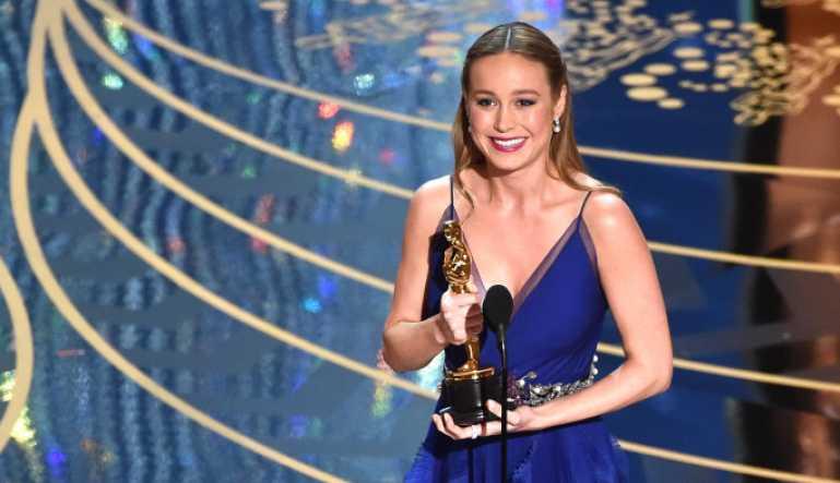 Brie Larson ganhando o Oscar. (Reprodução/Kevin Winter-Getty Images)