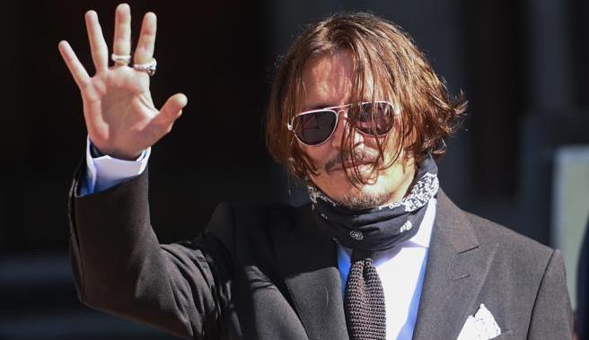 Após perder processo judicial, Johnny Depp é afastado do elenco de 'Animais Fantásticos'