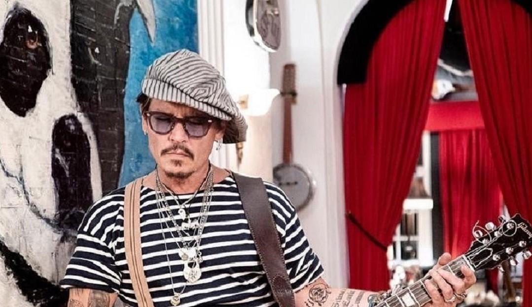 Johnny Depp perde processo, é demitido de franquia e fãs criam petição contra Amber Heard
