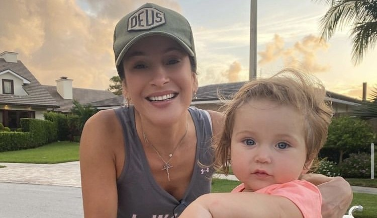 Claudia Leitte revela que teve baby blues
