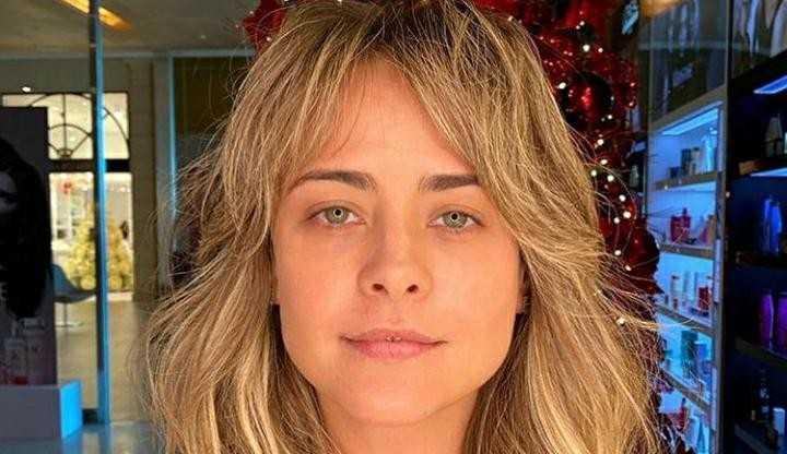 Juliana Silveira fala do novo visual e reflete sobre sua profissão