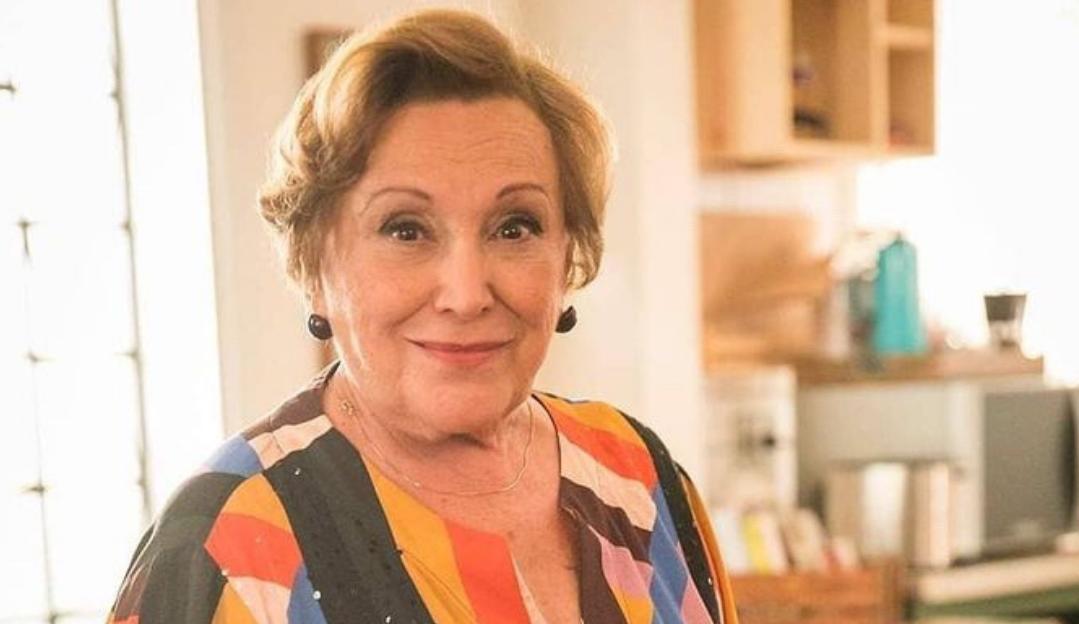 """Neta de Nicette Bruno fala sobre estado de saúde da avó: """"Melhorando lentamente"""""""