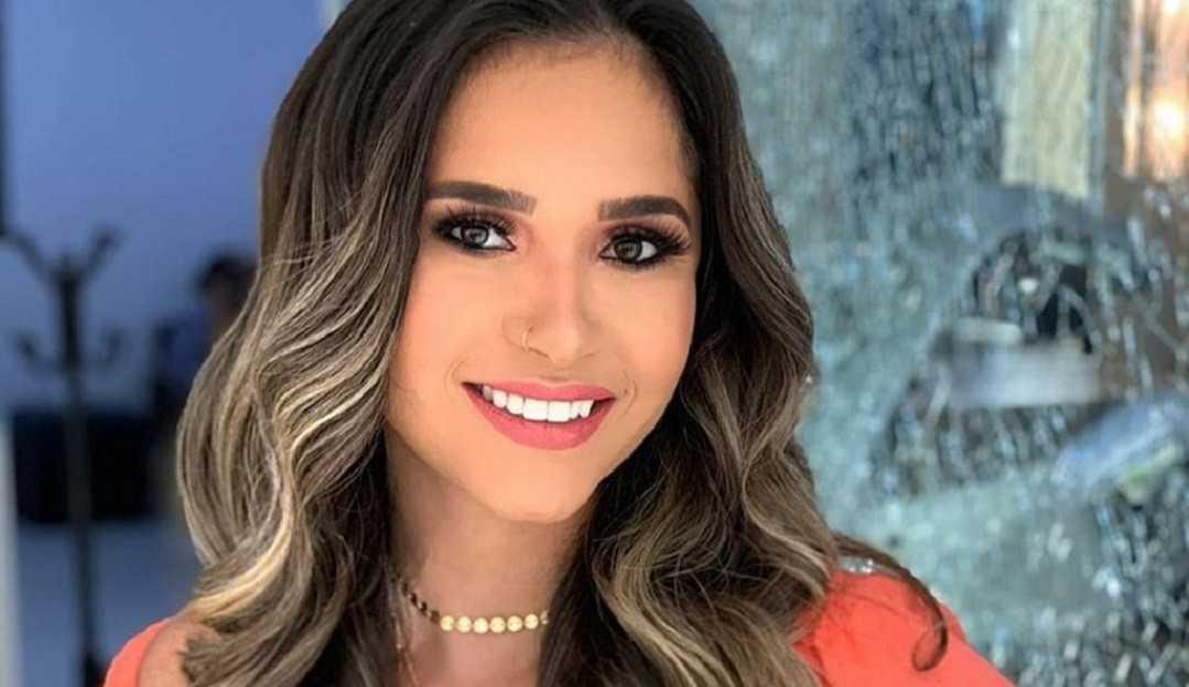 Ex-BBB Gizelly revela estar com depressão e agradece o apoio de sua amiga Marcela