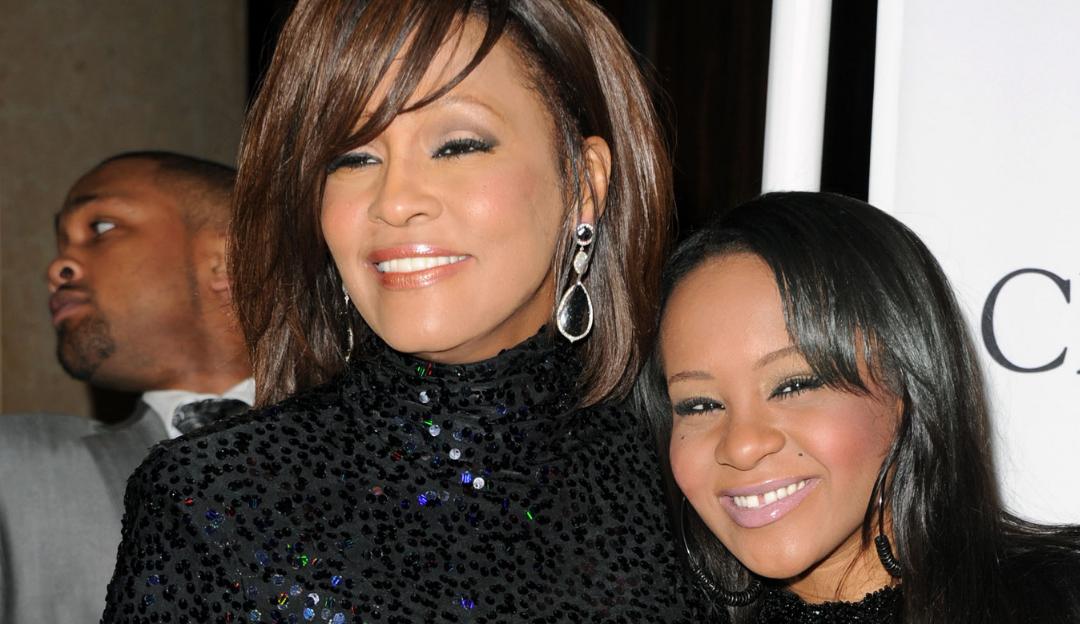 Sai o primeiro trailer do documentário sobre Whitney Houston e sua filha, Bobbi Kristina Brown