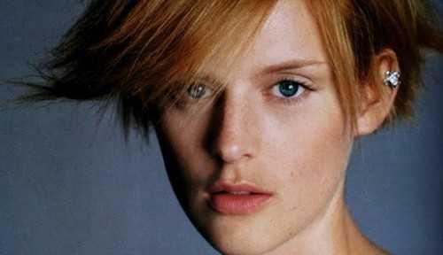 Modelo britânica Stella Tennant morre aos 50 anos