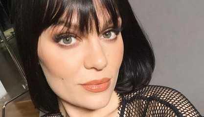 Jessie J descobre doença após acordar sem audição na véspera de Natal