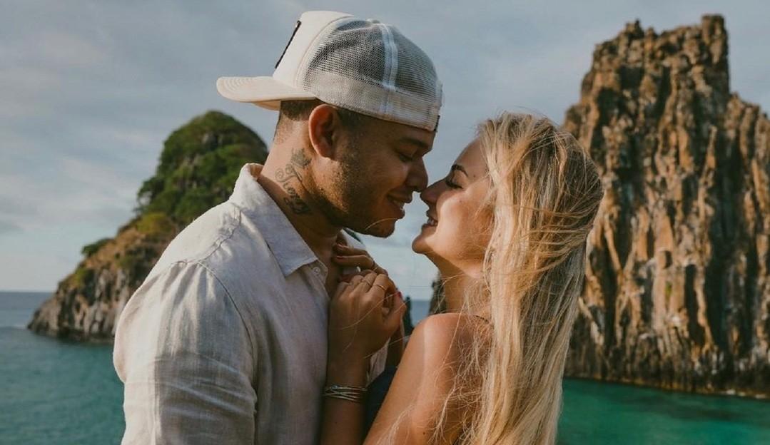 Tierry e Gabi Martins oficializam o namoro