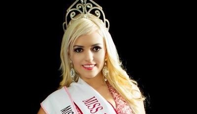 Grávida de 9 meses, modelo Lauren Adana é presa por forjar o próprio sequestro