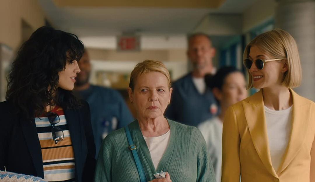 Eu Me Importo, novo drama da Netflix com Rosamund Pike, ganha data de estreia