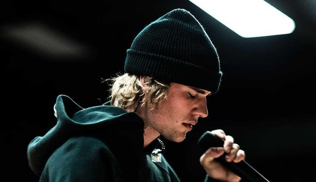 """Justin Bieber relembra época em que foi preso """"não foi meu melhor momento"""""""