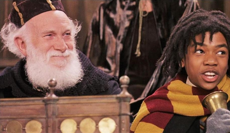 Tom Felton conta que seu avô fez parte do elenco de um dos filmes de Harry Potter