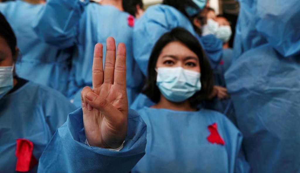 Gesto do filme 'Jogos Vorazes' é usado como protesto em Mianmar