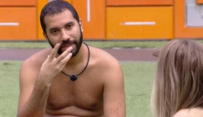 BBB21: Gilberto revela aos brothers como é o atendimento psicológico na casa