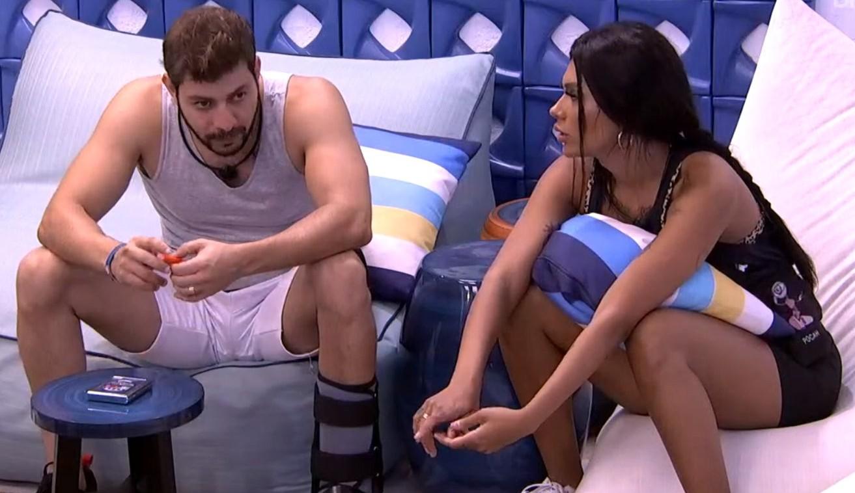 Caio conversa sobre jogo e detona Juliette para Pocah: 'Muito decepcionado'