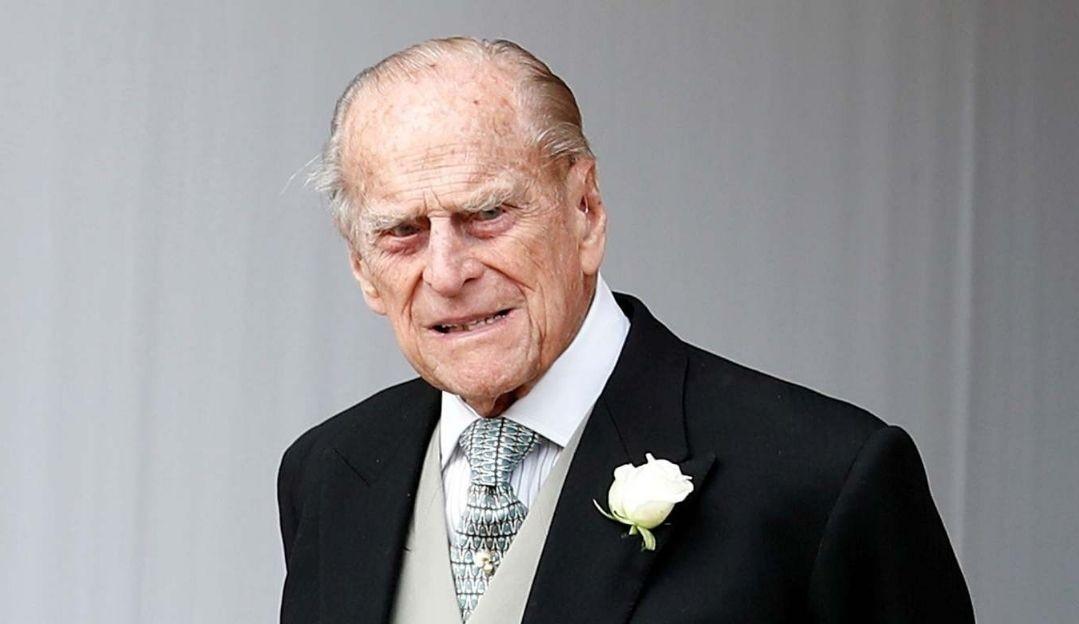 Após 28 dias internado Príncipe Philip deixa hospital em Londres