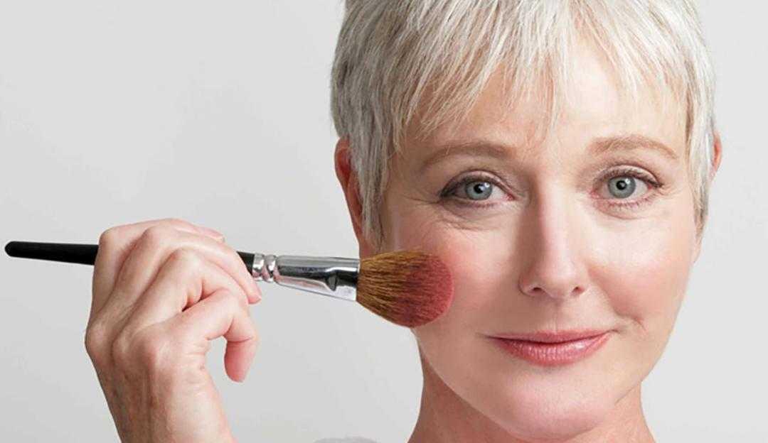 Tire suas dúvidas sobre maquiagem em pele madura