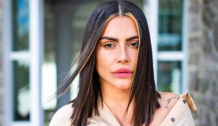 Cleo Pires posta story com namorado e diz ter superado relações tóxicas