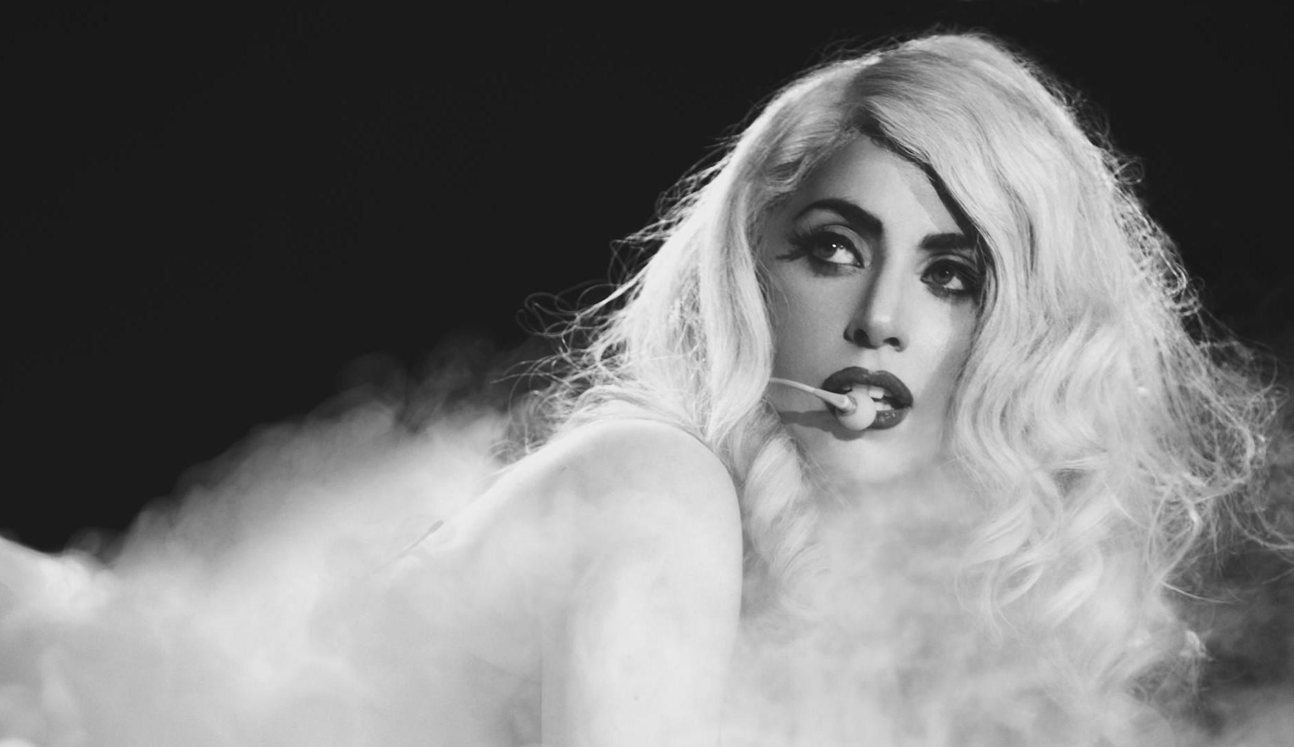 Lady Gaga completa 35 anos com sucesso na música e em Hollywood