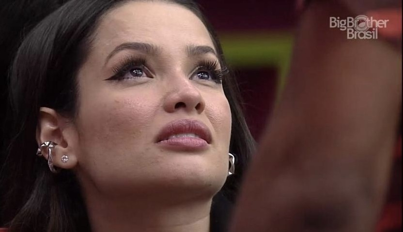 """Juliette chora no quarto e desabafa com João: """"Povo hipócrita"""""""