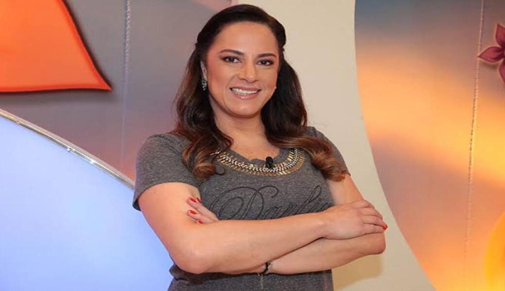 """Silvia Abravanel, internada com Covid-19, desenvolve pneumonia e faz apelo: """"Parem com as badernas"""""""