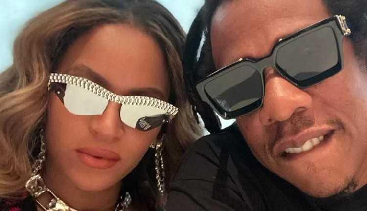 Beyónce e Jay-Z ostentam itens de luxo em selfie