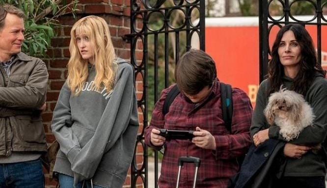 Comédia de terror 'Shining Vale' com Courtney Cox e Gregg Knnear é escolhida pela Starz