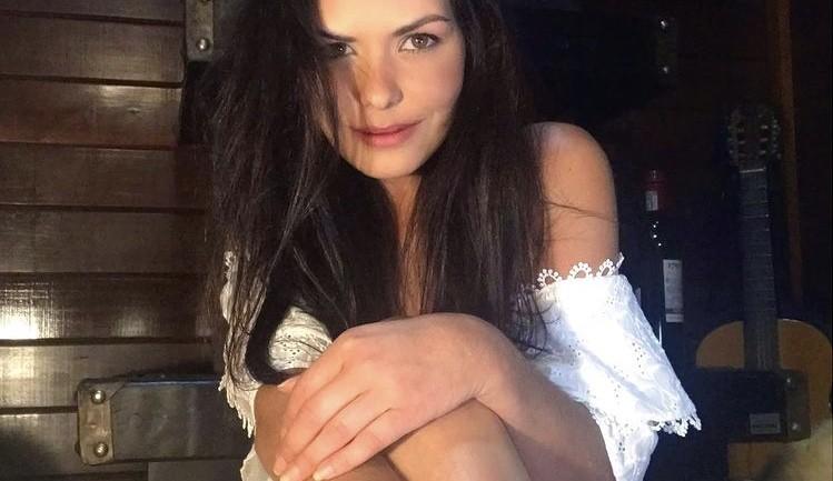 Morre a ex-miss Graziela de Freitas, aos 38 anos, após complicações causadas pela Covid-19