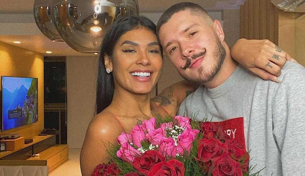 Pocah é pedida em casamento após ser eliminada do BBB 21: