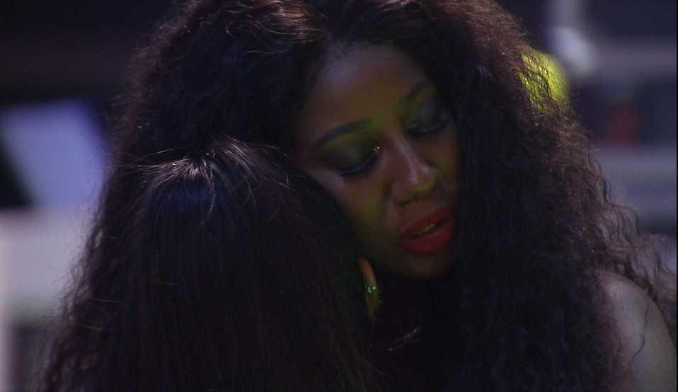 Juliette diz estar se sentindo excluída na casa e Camilla de Lucas alerta: 'você não confia em você'