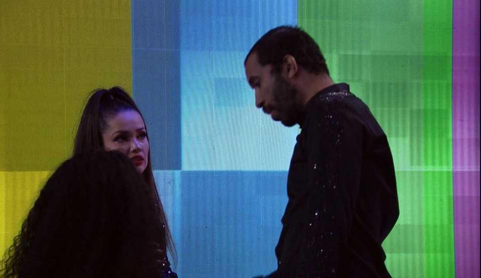 Juliette confronta Gilberto e diz estar se sentindo excluída: 'Se você acha que vai sair, por que não fica comigo?'