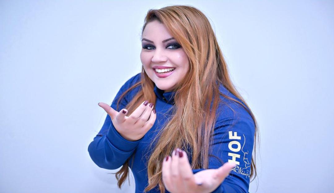 Dra. Mariza Barros ministra 1º curso da técnica revolucionária Nariz Perfeito Ponta Fina Nível 6 ano RJ