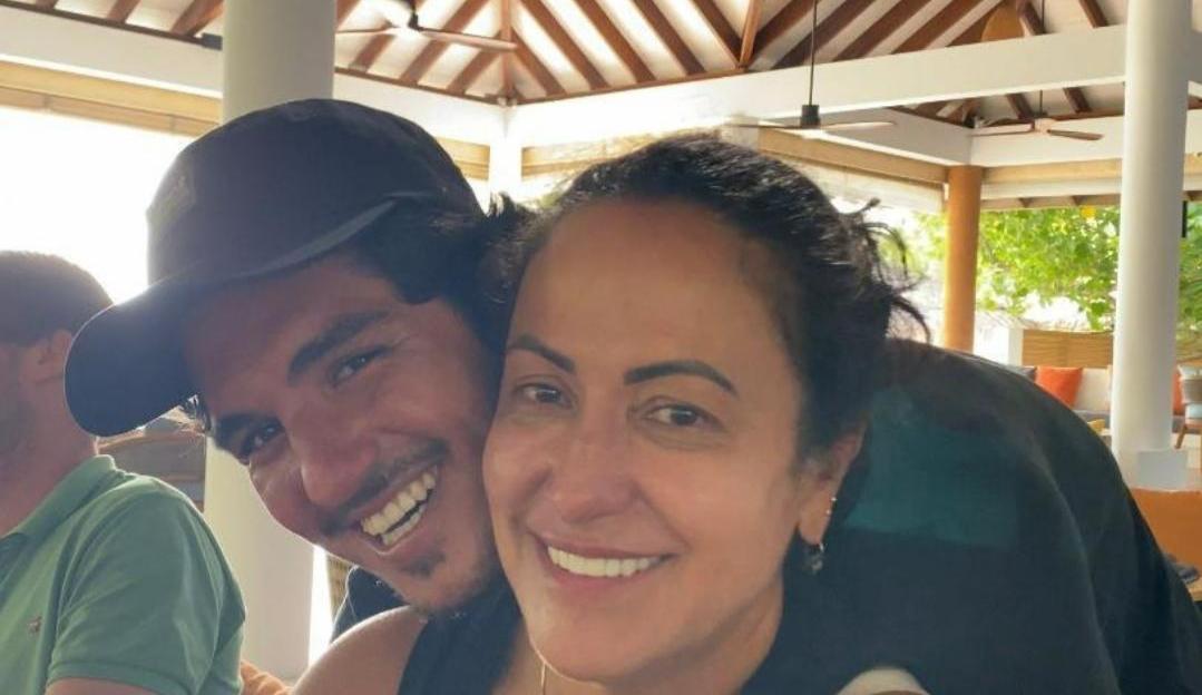 Mãe de Gabriel Medina critica relação do filho com Yasmin Brunet