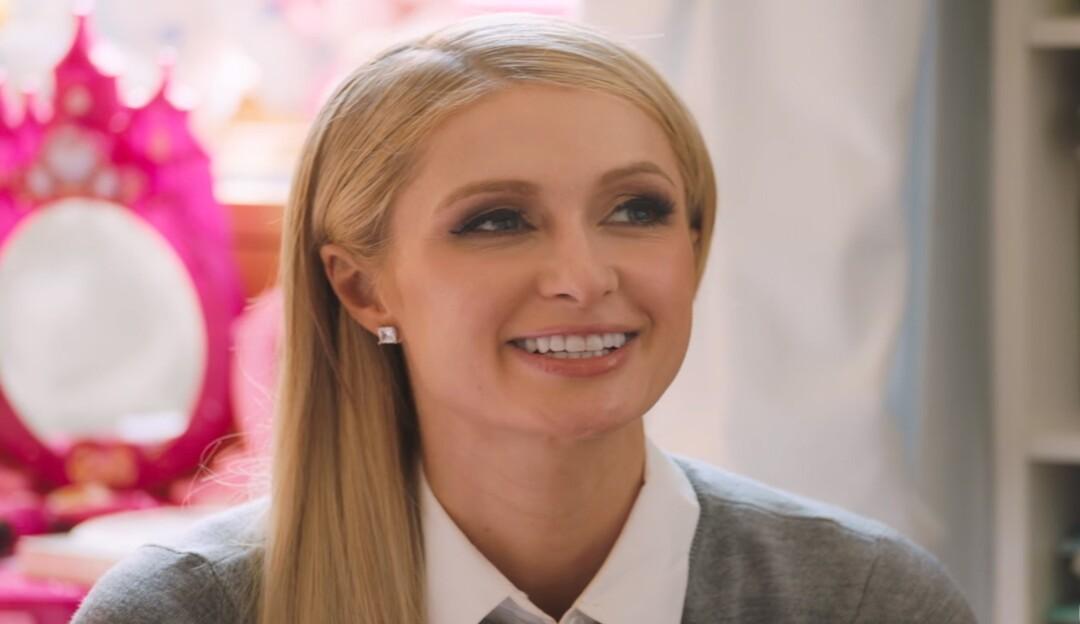 Paris Hilton relata abusos sofridos na adolescência em novo documentário