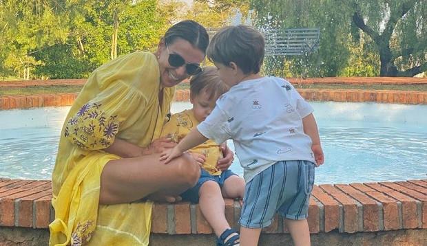 Mônica Martelli publica fotos ao lado dos filhos de Paulo Gustavo: 'Meu sorriso de volta'