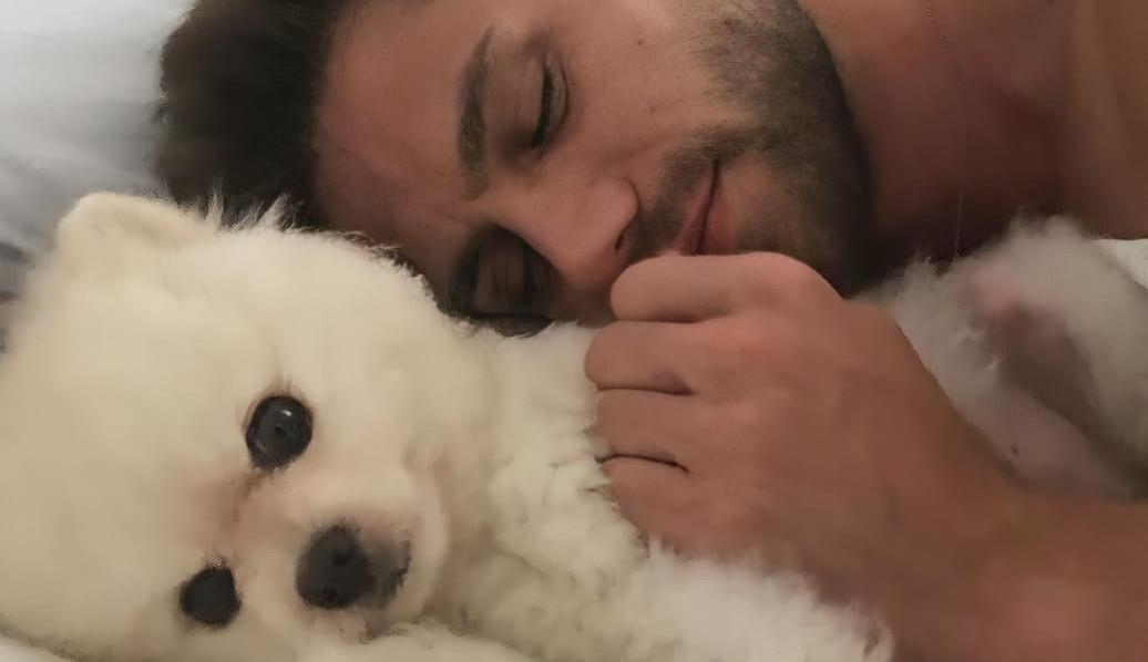 Jonas Sulzbach abre boletim de ocorrência contra dono de rottweiler que matou seu cachorro