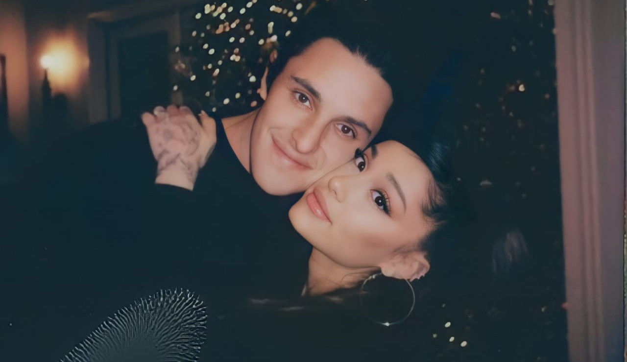 Ariana Grande e Dalton Gomez se casam em cerimônia íntima