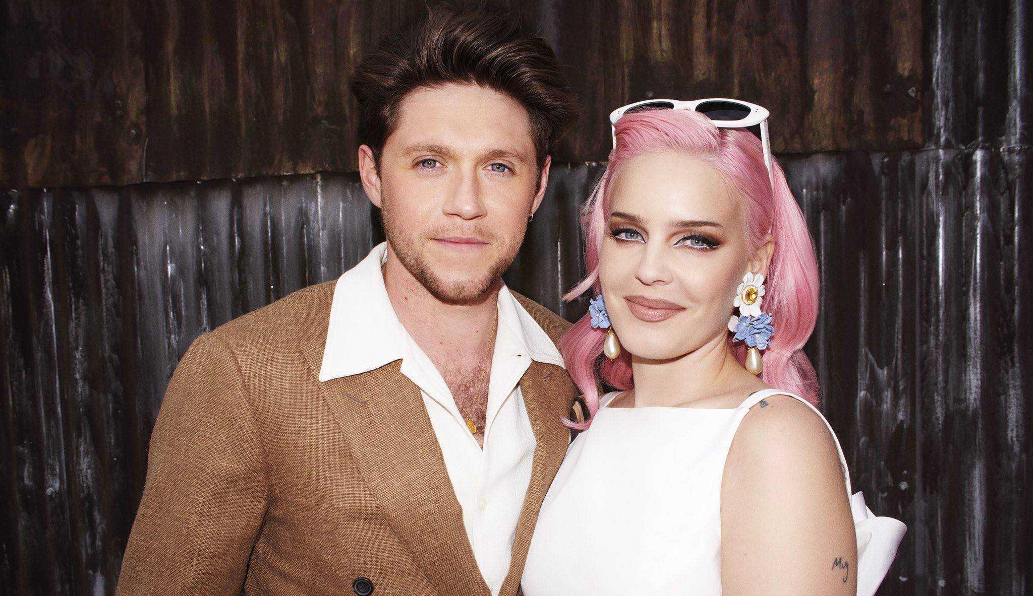 Anne-Marie e Niall Horan lançam 'Our Song'