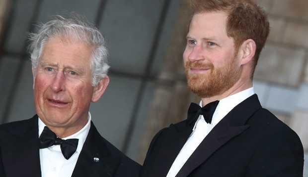 Príncipe Charles está 'furioso' com Harry segundo revista