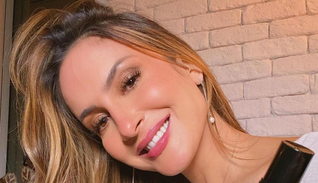 """Cláudia Leitte se defende após ser criticada por internautas do programa """"Altas Horas"""""""