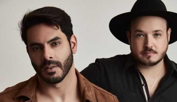Dupla Rodolffo e Israel aproveitam sucesso de 'Batom de Cereja' e emplacam novo clipe com participação de Safadão