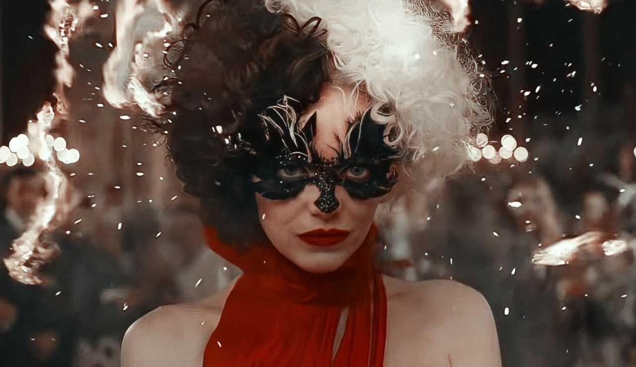 """""""'Cruella' é o filme mais sombrio da Disney"""", afirma Emma Stone"""