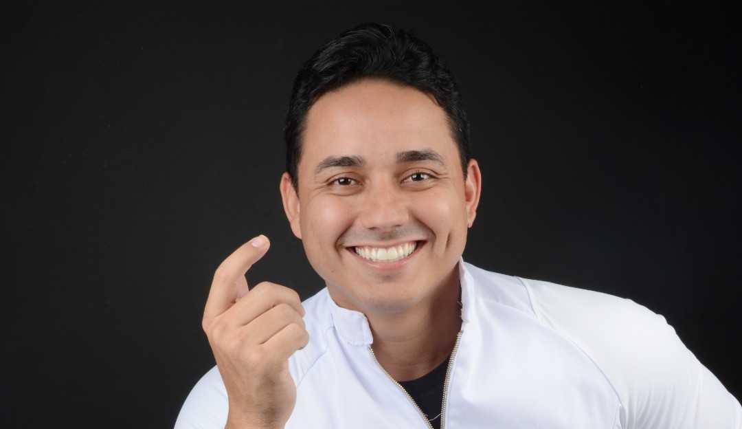 Influenciador e dentista Dr Lucas Firmino é considerado uma referência mundial na transformação do sorriso